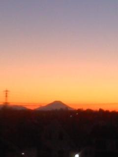 風の丘公園からのぞむ夕富士